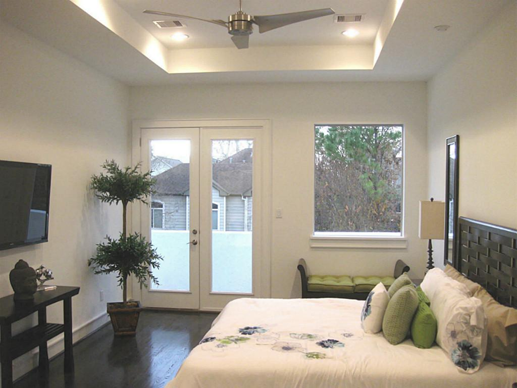 Bedroom with high ceiling design on vine for High ceiling bedroom decorating ideas