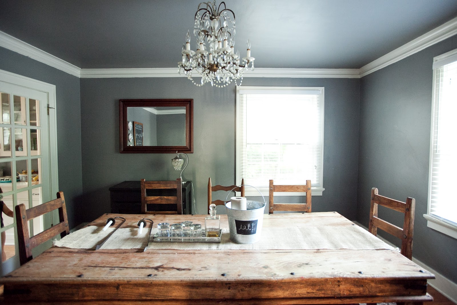 Gray Ceiling Color Design On Vine
