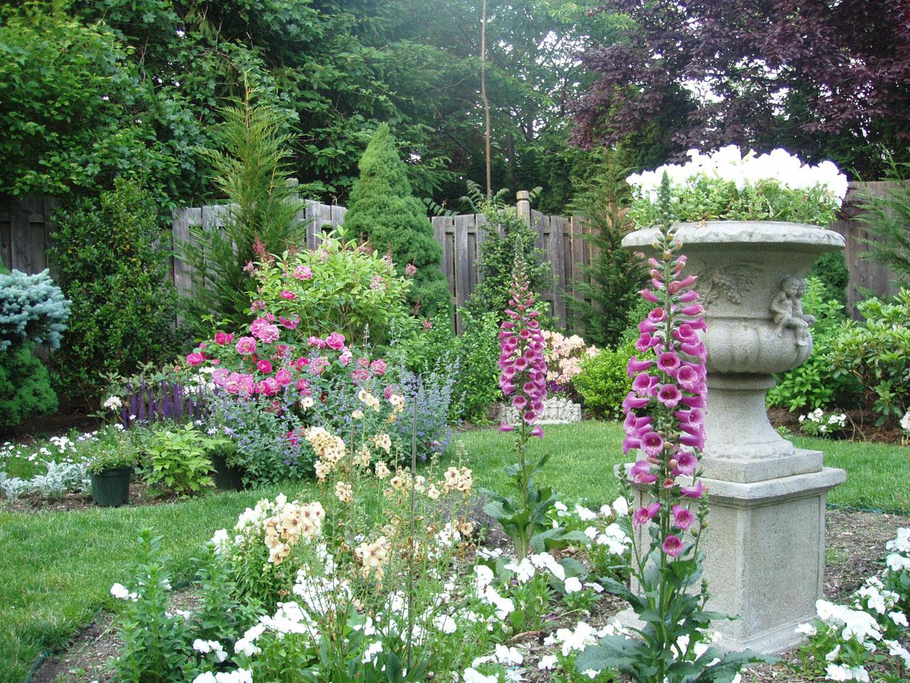 English garden design iskn design on vine english garden design iskn workwithnaturefo