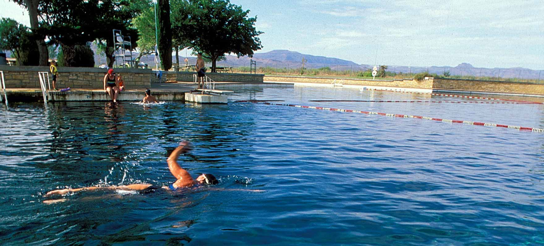 High park swimming pool hours ownw design on vine for Pool design hours