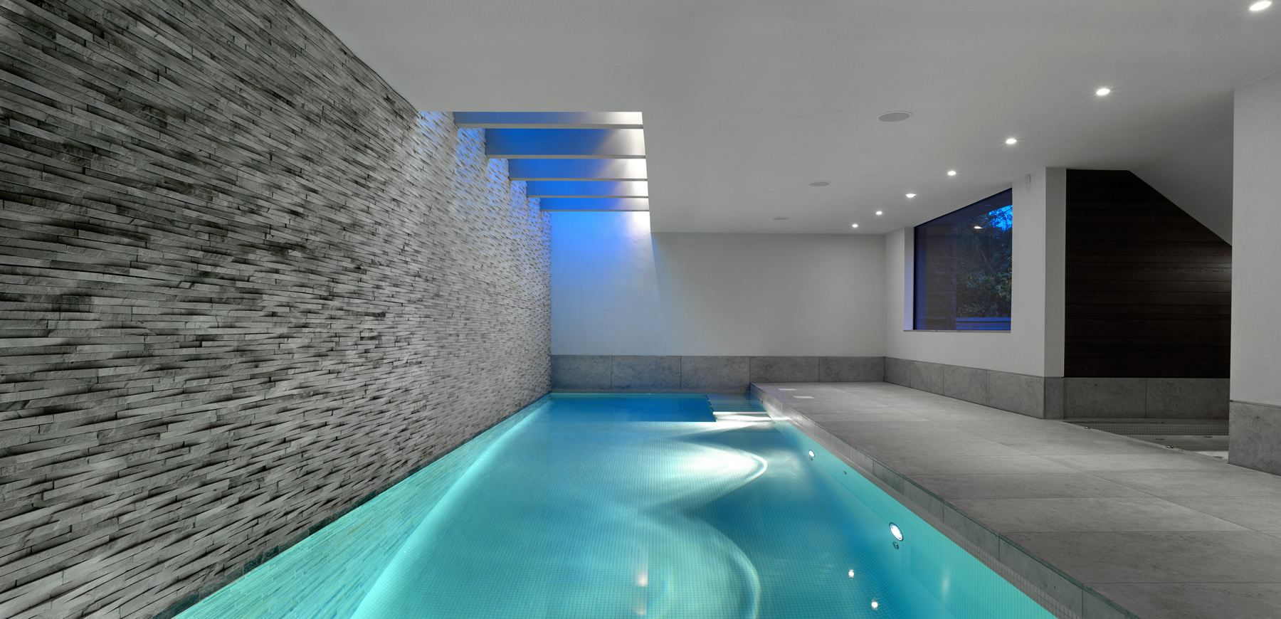 Indoor swimming pools design on vine for Interior swimming pool