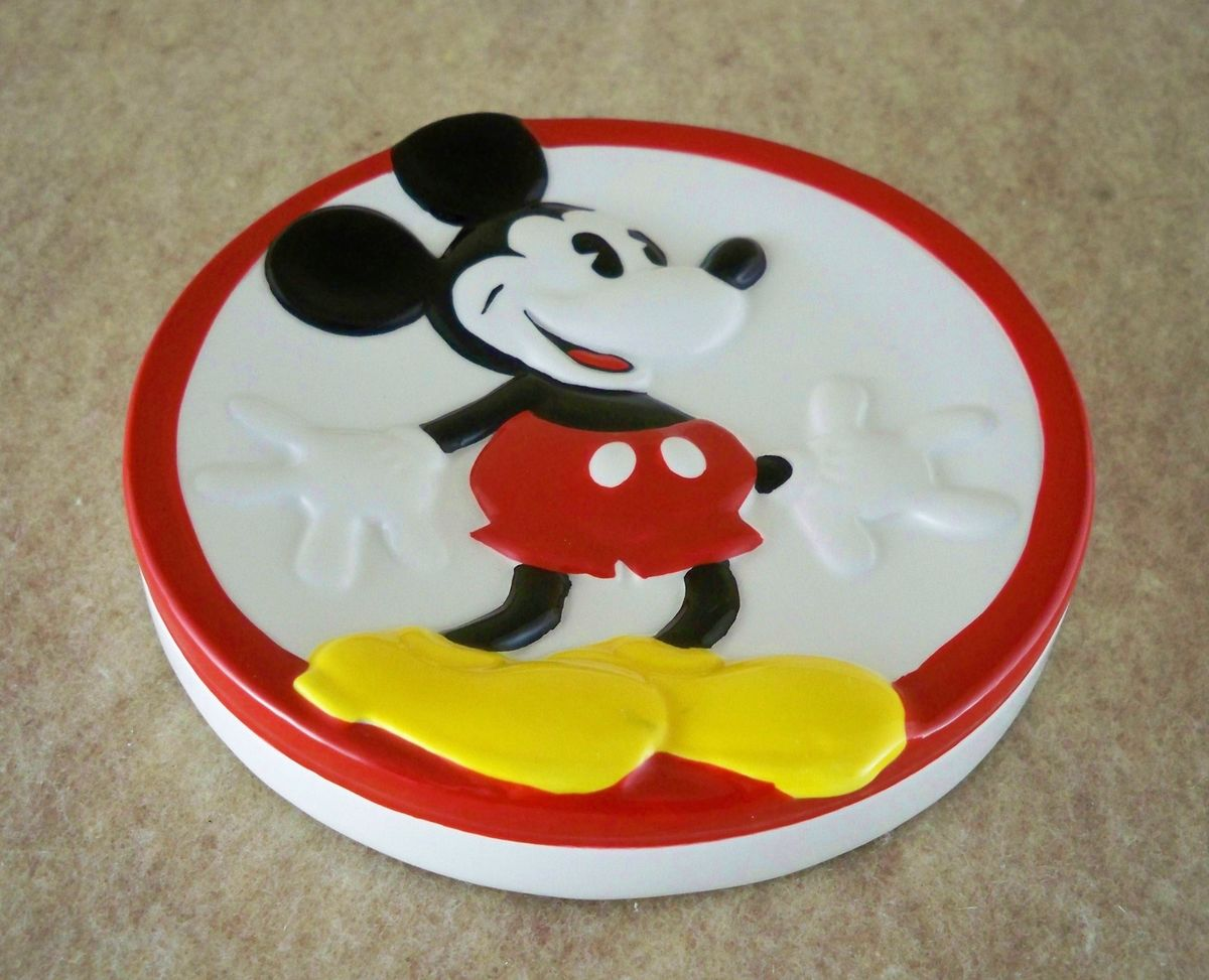 Mickey mouse kitchen decor design on vine for Mickey mouse kitchen accessories