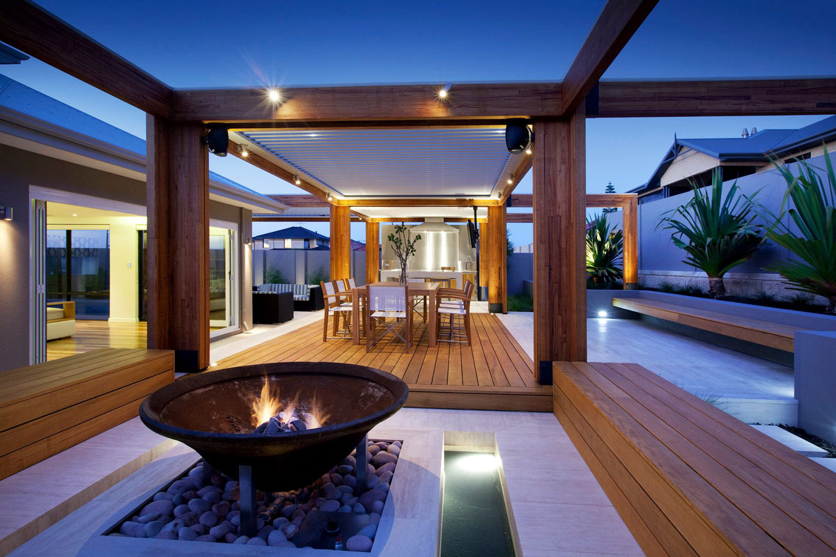Outdoor Living Rooms On A Budget PiWx