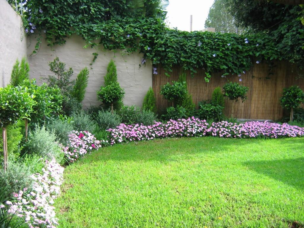 Small flower garden design design on vine for Small perennial garden design